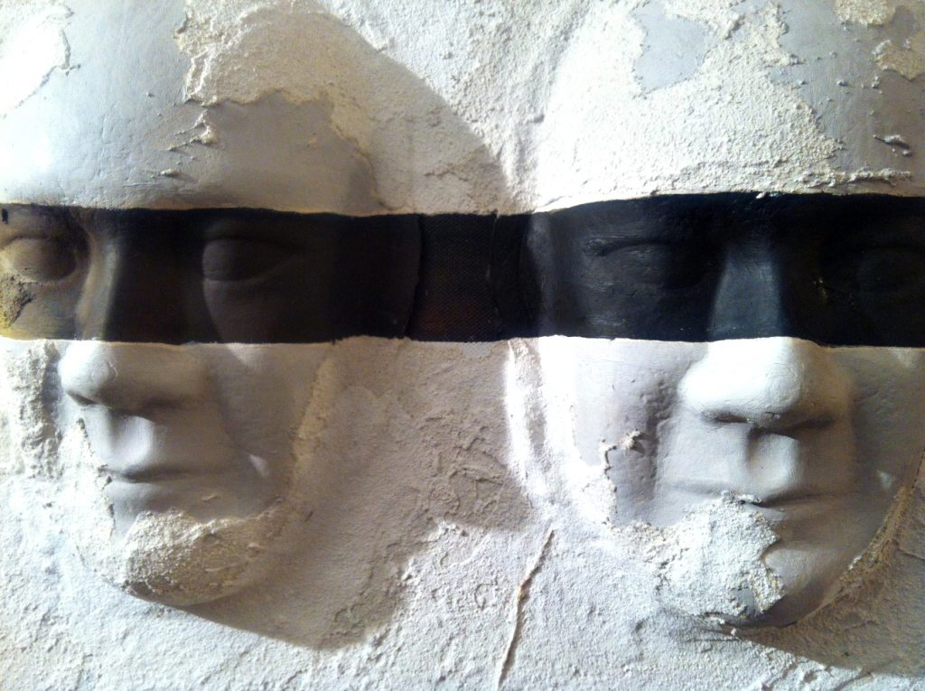 """Wite faces"" polystyrene and Kriptonite"